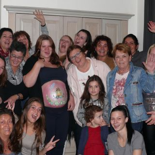 Body schmink studio bellypaint babyshower funny bird foto groep 2 logo