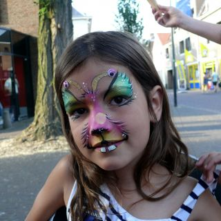 Body schmink studio event friday festival color monster gemert
