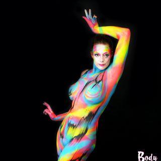 Body schmink studio bodypaint abstract happy colors black lines 5