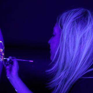 Body schmink studio bodypaint neon beek en donk