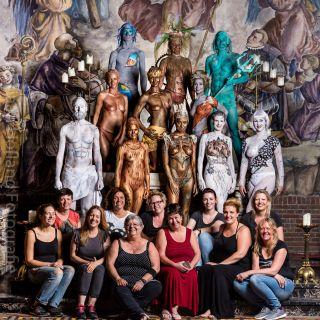 Body schmink studio bodypaint statuejam foto group with artists