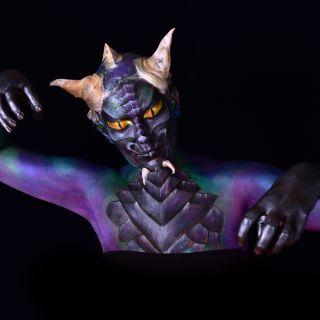 Body schmink studio half bodypaint dragon pose lr l
