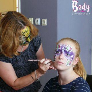 Body schmink studio cursus basis schminken carnaval mask