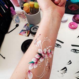 Body schmink studio cursus basis schminken penseel techniek en bloemen beek en donk