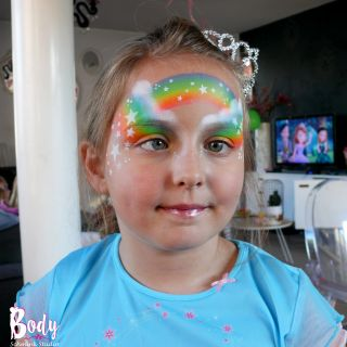 Body schmink studio kindefeest rainbow and stars