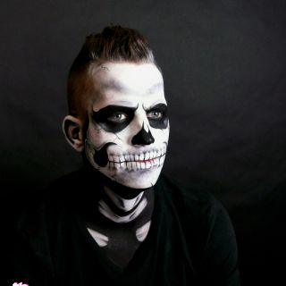Body schmink studio face painting carnaval skull with details